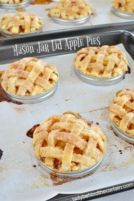 Mason-Jar-Lid-Apple-Pies-8